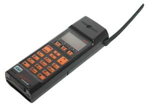Eine Inkunable der Mobiltelefoniererei: Ericsson GH 172 von 1992