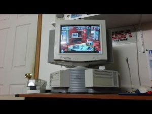 Um die Ecke - der Packard Bell Corner PC (Foto: Youtube)