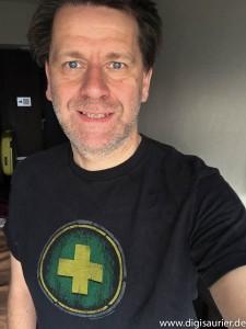 Digisaurier Martin mit seinem WoW-T-Shirt.