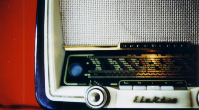 Schalt dein Radio ein – eine Entgegnung