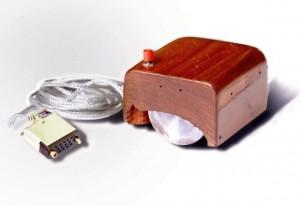 Der erste Prototyp einer Computer-Maus von Doug Engelbart (Foto: Wikimedia)