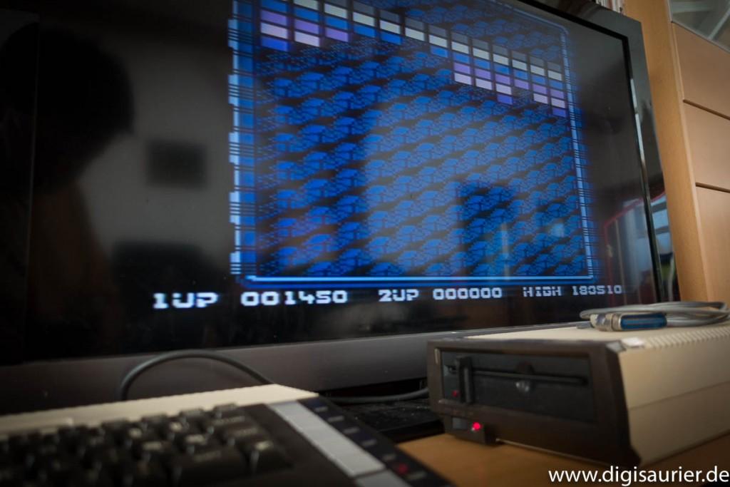 Läuft: Mein 800XL konnte Spiele wie den Klassiker Arkanoid laden. Leider hatte ich zu dem Zeitpunkt noch keinen Joystick.