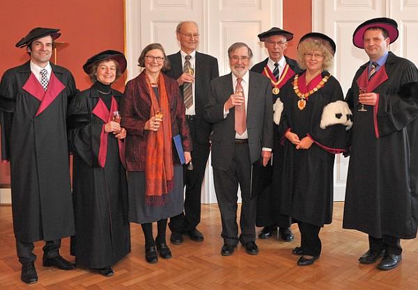2012 wurde Christiane Floyd (2.v.l.) zur Honorarprofessorin der TU Wien bestellt. (C) TU Wien