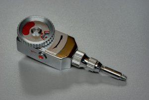 Ein mechanischer Selbstauslöser (Foto Berthold Werner via Wikimedia)