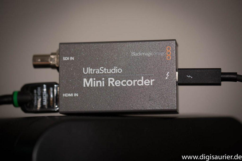 Zwischenstück: Der Blackmagic Mini Recorder schließt auch große Kameras an den Computer an.