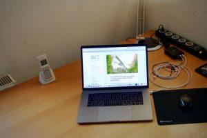 Macbook Pro 2016 auf Schreibtisch