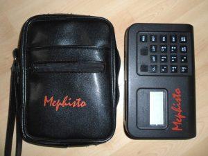 Ein Mephisto-II-Brikett (Foto: Chess Computer Blog)