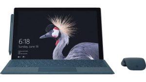 Nicht gerade billig: Microsoft Surface Pro mit Maus und Tastatur für knapp 1.500 Euro (Foto: Microsoft)