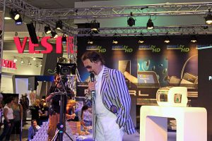 Luigi Colani auf der IFA 2013 (Foto: Wikimedia)