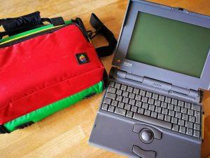 Apple Powerbook 170 - samt schicker Original-Designer-Tasche