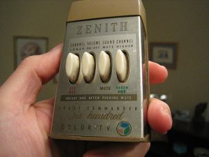 Schicke Fernbedienung: Der Zenith Space Commander