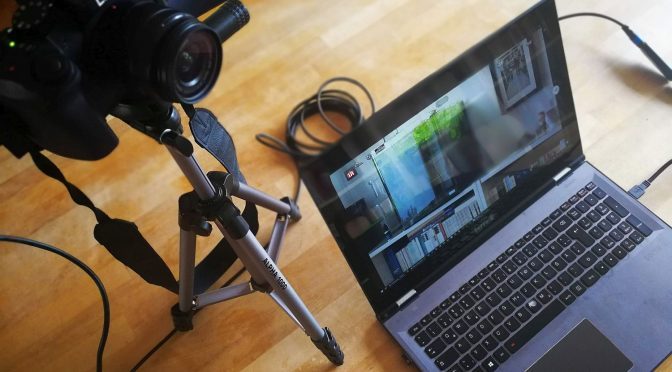 Ein mögliches Streaming-Setup: Systemkamera, Notebook+ Elgato Cam Link