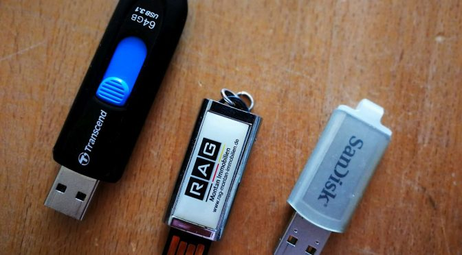 Drei Generationen USB-Speichersticks