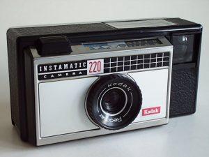 Eine klassische Kodak Instamatic mit Wettersymbolen (Foto: Wikimedia)