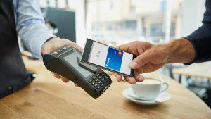 Kontaktlos bezahlen mit dem Android-Smartphone (Foto: Mastercard)