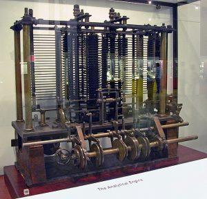 Nachbau der Analytic Engine des Charles Babbage (Foto via Wikimedia)