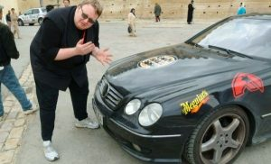 Kim liebt dicke Mercedesse - hier der für das Gumball-3000-Rennen 1999