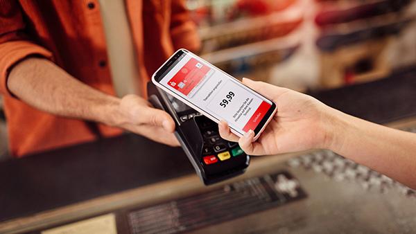 So einfach geht das mobile Bezahlen per Smartphone (Foto: Sparkasse)