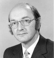 Donald Watts Davies, der britische Physiker, der das Packet Switching erfand (Foto via Wikimedia)