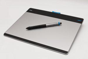Ein Wacom-Intuos-Tablet (Foto: via Wikimedia, siehe Bildnachweise unten)