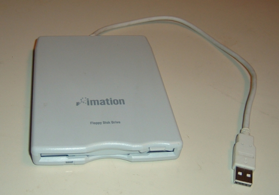 """Auch schon ein Museumsstück: 3,5""""-USB-Laufwerk (Foto: siehe Bildnachweis untent)"""